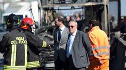 Salvini e Bussetti sull'uomo che ha incendiato il bus: