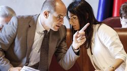 Daniele Frongia indagato per corruzione, si