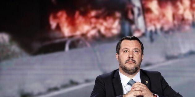 Matteo Salvini discute in tv della vicenda di San Donato