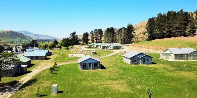 Un paese deserto in Nuova Zelanda è in vendita: panorami mozzafiato, al riparo dal