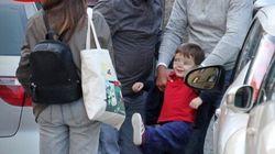 Sorridente, in compagnia del figlio: le prime foto di Nichi Vendola dopo