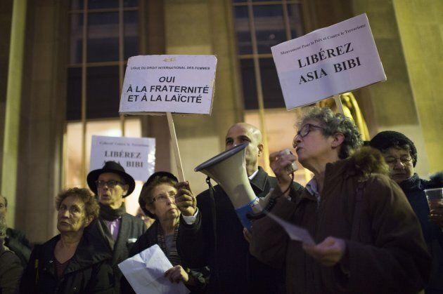Una manifestazione in Francia per la liberazione di Asia