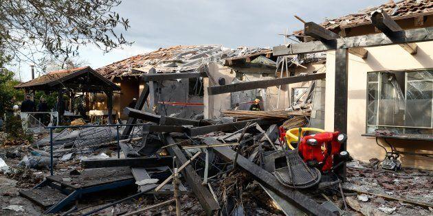 Casa di Tel Aviv colpita da razzo sparato da Gaza. Netanyahu torna dagli Usa:
