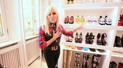 Donatella Versace mostra su Instagram il suo guardaroba. I follower in delirio: