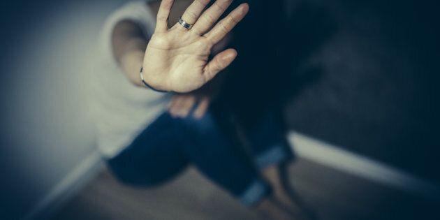 Stupro di gruppo a Catania su una 19enne americana. Arrestati tre giovani italiani, hanno filmato