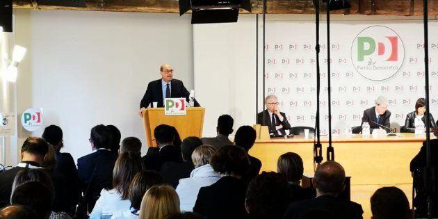 Nicola Zingaretti annuncia il simbolo del Pd con scritta