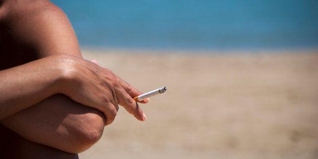 Stop al fumo sulle spiagge di Porto Cesareo. Per i trasgressori multe fino a 500