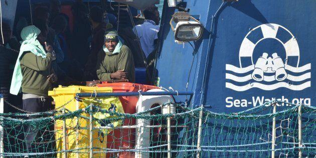Matteo Salvini rischia anche sul caso Sea Watch. Per i pm romani, fu sequestro di