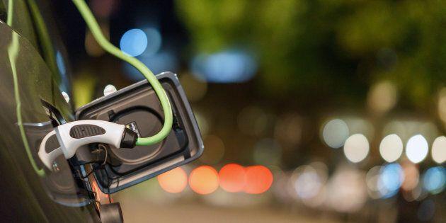 In Svizzera le auto elettriche saranno obbligate a fare