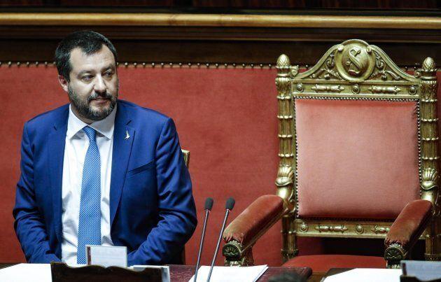 Matteo Salvini in Senato durante il voto finale sulla legittima