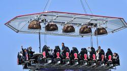 Anche in Italia si potrà cenare sospesi a 50 metri d'altezza. E il menù è