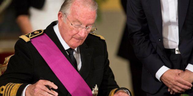 Il re Alberto II del Belgio dovrà sottoporsi al test del dna per il caso di Dephine Boel, la donna che...