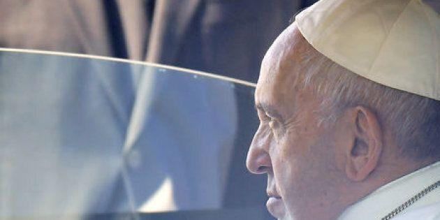 """Congresso delle famiglie, Papa Francesco concorda con il card. Parolin: """"Giusta la sostanza, metodo sbagliato"""""""