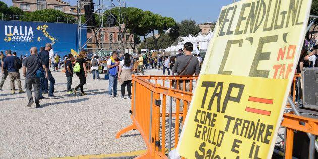 Il portavoce dei No Tap querela quattro attivisti