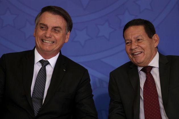 Em encontro com jornalistas, presidente Bolsonaro minimizou atritos com o vice-presidente, Hamilton Mourão,...