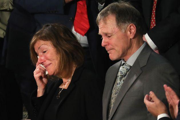 2018년 1월 30일. 오토 웜비어의 부모가 미 의회에서 트럼프 대통령의 연두 교서를 들으며 눈물짓고