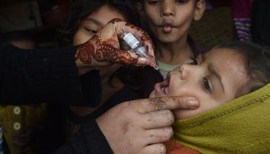 Πακιστάν: Δολοφόνησαν νοσηλεύτρια που μετείχε σε εκστρατεία εμβολιασμού κατά της