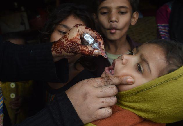 Δολοφόνησαν νοσηλεύτρια που μετείχε σε εκστρατεία εμβολιασμού κατά της