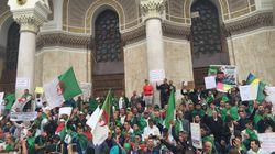 Les Algériens manifestent un 10e vendredi pour réitérer leur rejet des symboles du pouvoir en