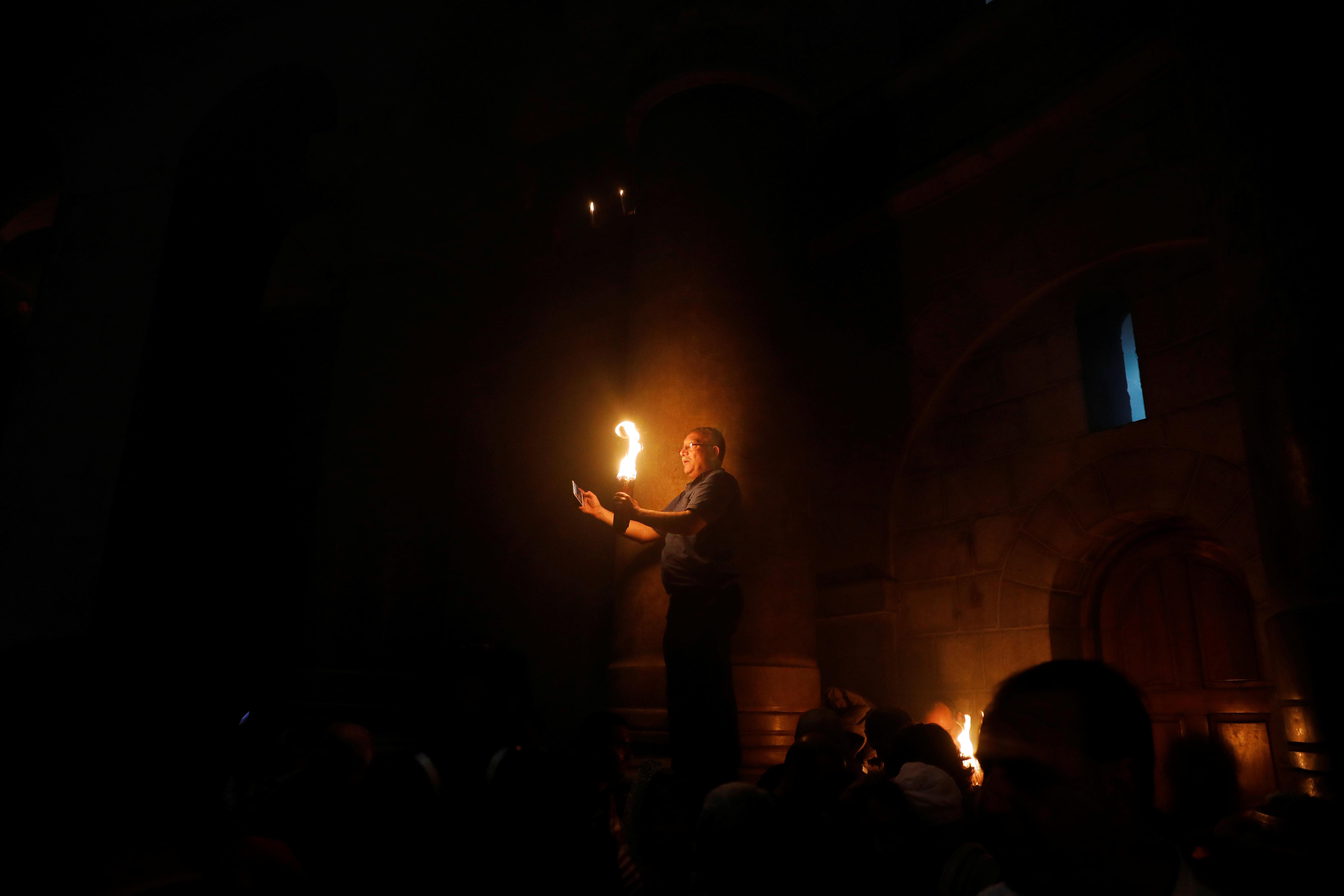 Αγιο Φως: Το Θαύμα της Ορθοδοξίας, η ουδετερότητα του Βατικανού και οι