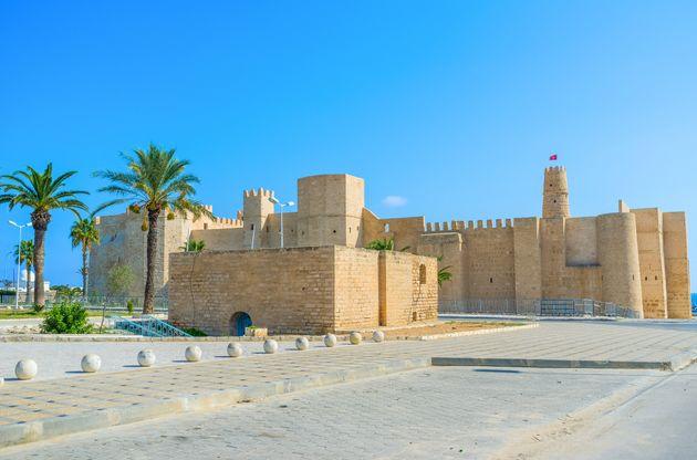 Ribat de Monastir: Construit par lewaliHarthama Ibn Ayoun sur ordre ducalifeabbassideHâroun...