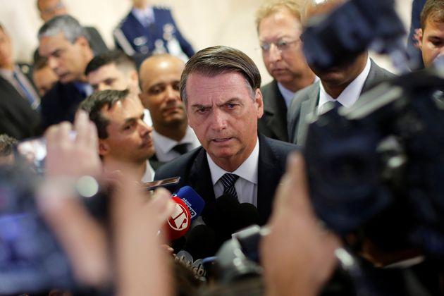 """Para Bolsonaro, é prioridadeinvestir em cursos que """"gerem retorno imediato ao contribuinte,..."""