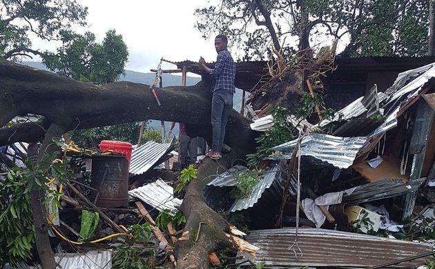 A passagem do Ciclone Kenneth pelo norte de Moçambique provocou, pelo menos, duas mortes e causou...