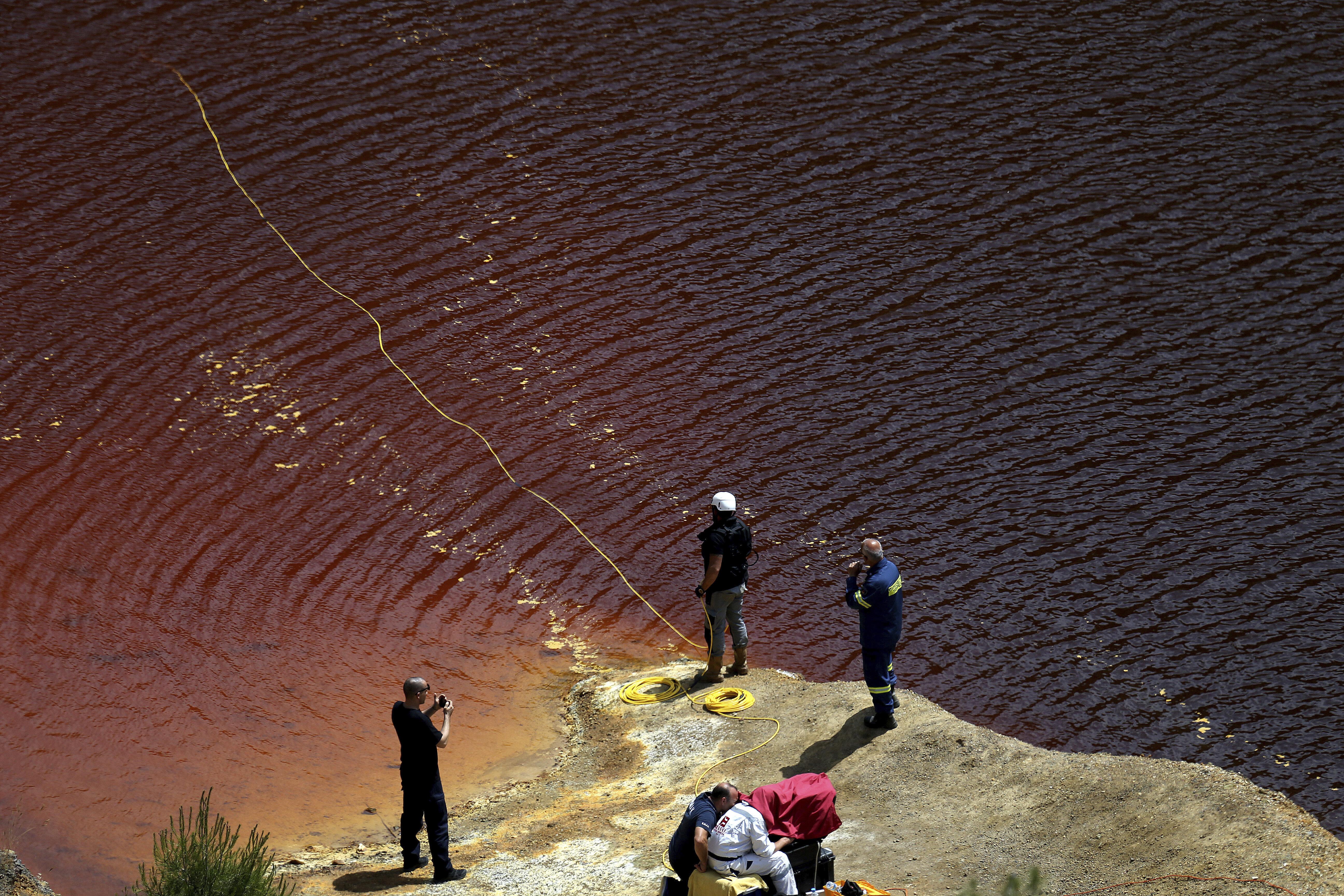 Κύπρος: Θρίλερ με βαλίτσα στην κόκκινη λίμνη - Στο σημείο και ο serial killer