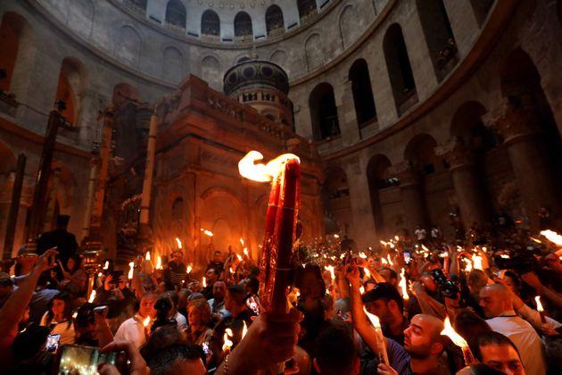Αγιο Φως: Το Θαύμα της Ορθοδοξίας, η ουδετερότητα του Βατικανού ...