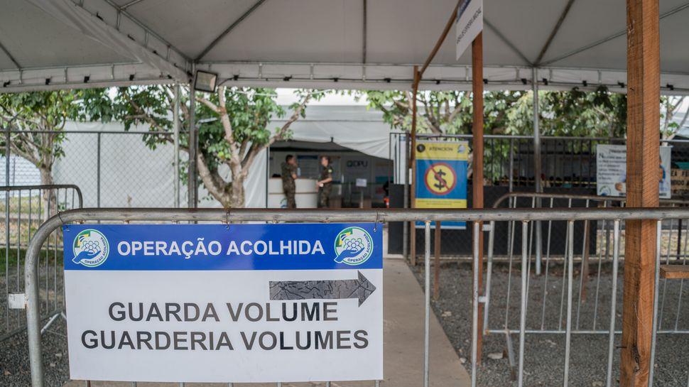 Refugiados venezuelanos são acolhidos no