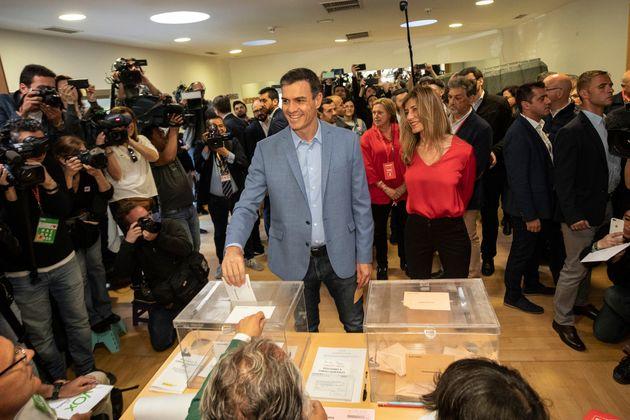 Le Premier ministre et candidat du Parti socialiste aux élections législatives espagnoles...