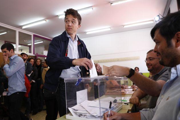 Íñigo Errejón ya ha votado y ha querido que todos sepan a