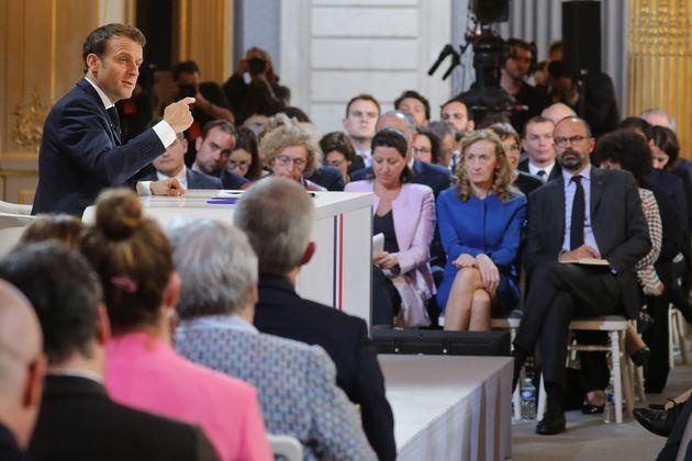 Grand débat: après les annonces de Macron, ce que le séminaire gouvernemental va devoir