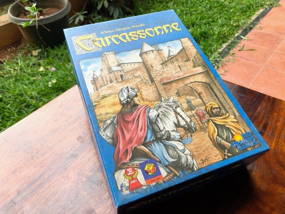 Carcassonne is fun for all ages, and it can be a fun and relaxing game for small