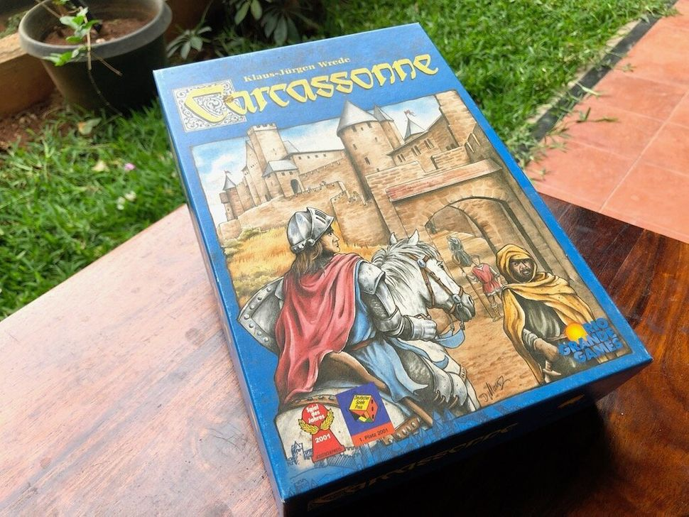 Carcassonne is fun for all ages, and it can be a fun and relaxing game for small groups.
