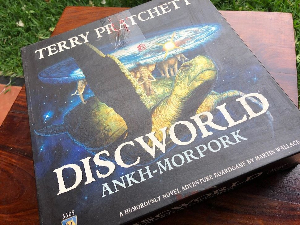 Based on the world of Terry Pratchett's books, this board game is about securing control over Ankh-Morpork, but with some hidden objectives to keep everyone guessing.