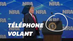 Donald Trump visé par un portable lors de son discours à la