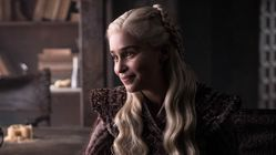Game Of Thrones Won't Stop Hinting At That Dark Daenerys