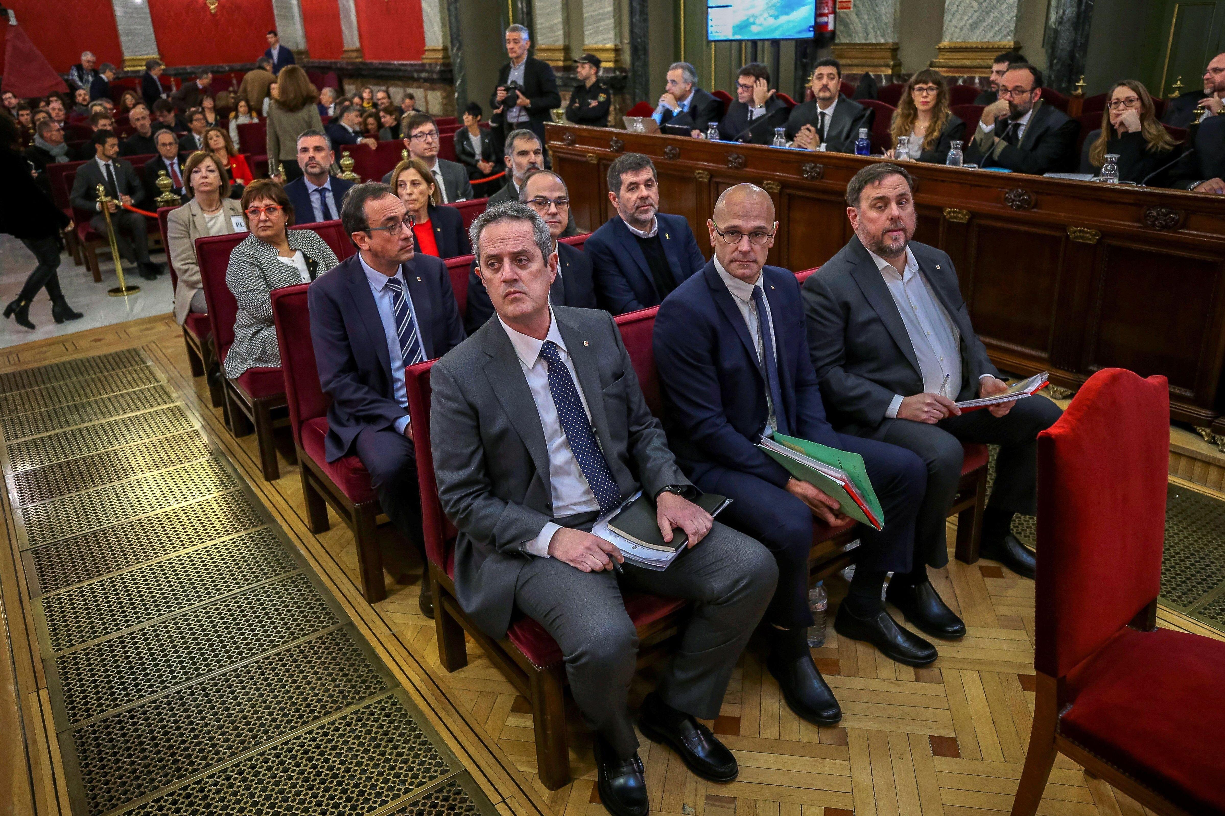 Sánchez, Junqueras, Rull, Turull y Romeva ganan escaño pero tendrán que pedir permiso al TS para tomar