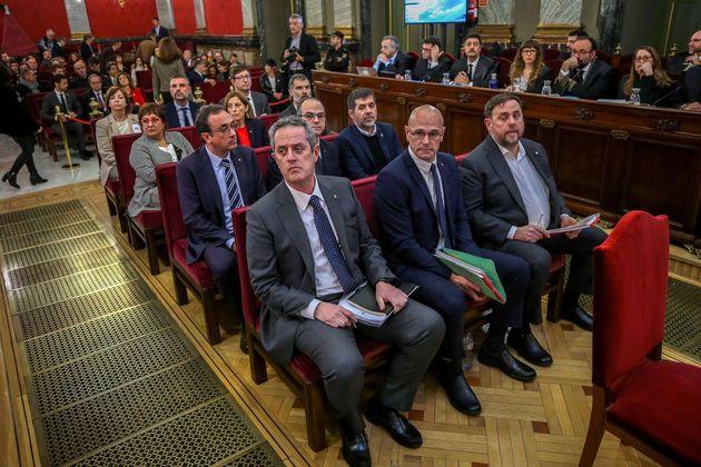 Los políticos independentistas procesados en el juicio del 'procés', entre los que se encuentran...