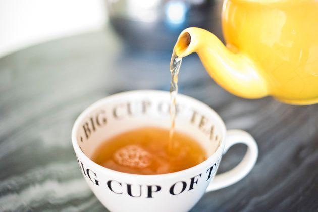 Está na hora de tomar chá sem
