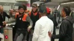 Tremenda pelea entre un grupo de jóvenes y vigilantes en el metro de