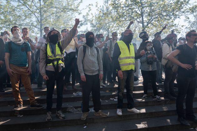Appel au suicide des policiers: un homme comparaît au tribunal de Paris (Photo prise place de la...