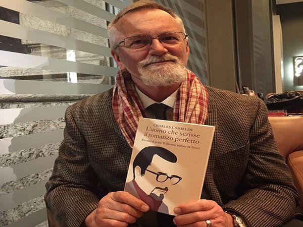 Il biografo Charles Shields: