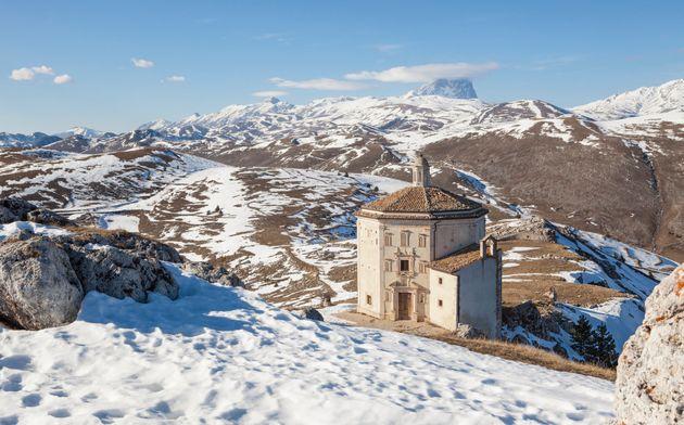 Oratorio di Santa Maria della Piet? at Rocca Calascio, Abruzzo