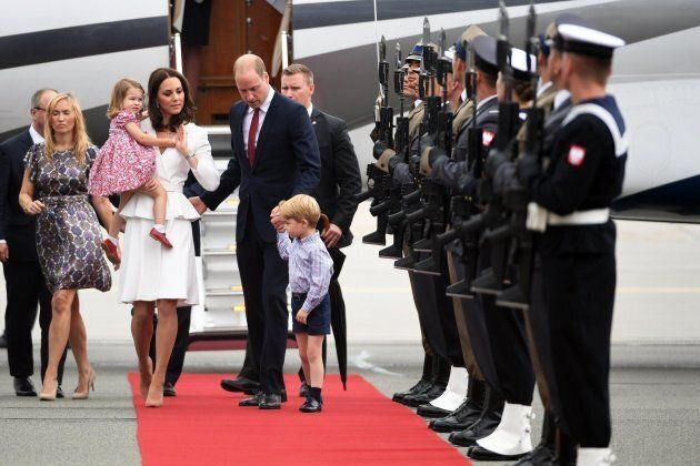 I principini George e Charlotte in viaggio in Polonia insieme a Kate Middleton e William