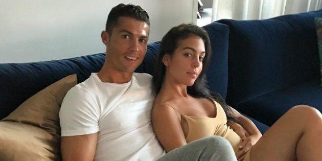Cristiano Ronaldo diventerà papà per la quarta volta, la fidanzata Georgina è incinta.