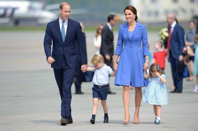 epa06095895 Britain's Prince William, Duke of Cambridge (L) and Catherine, Duchess of Cambridge (R) with...
