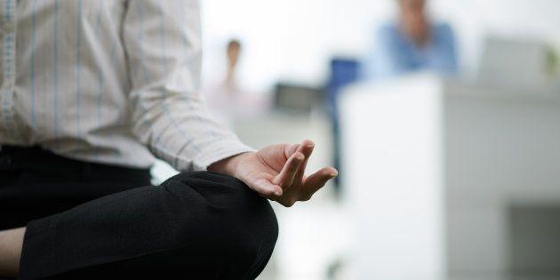 La meditazione fa bene alla mente che lavora. Ecco