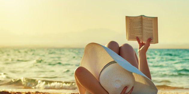 Leggere d'estate almeno mezz'ora al giorno ha effetti benefici tutto